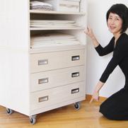 イカス*キモノセレクト 家具の移動が楽々な桐製キャスター付き台W75cm